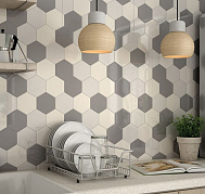 HEXAGON SCALE WALL